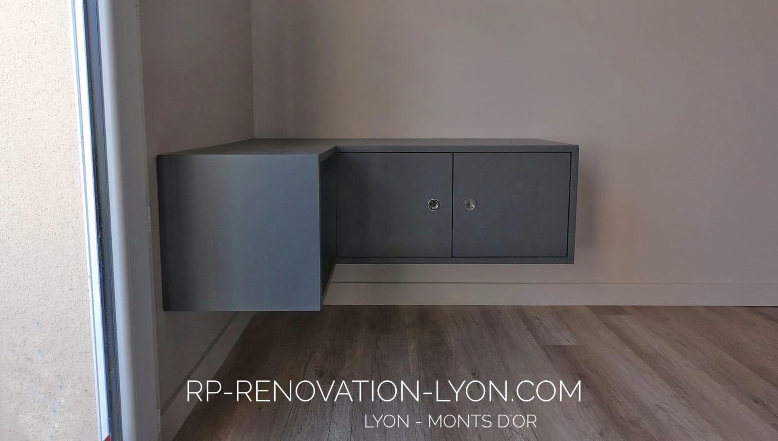 Réalisation meuble TV design suspendu sur mesure à Lyon